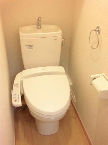 レオパレス角 204号室のトイレ