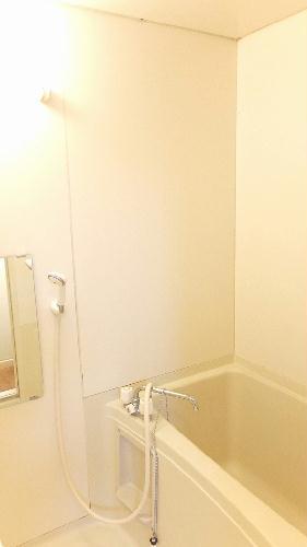 レオパレスグロリアスⅠ 105号室の風呂