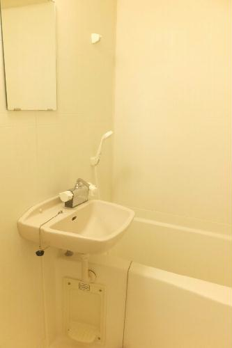 レオパレスサンコー 103号室の風呂