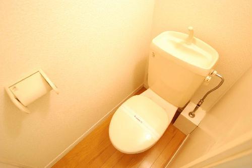 レオパレスNEW砂田 107号室のトイレ