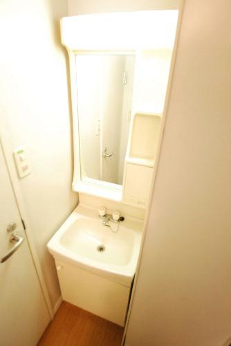 レオパレスNEW砂田 107号室の洗面所