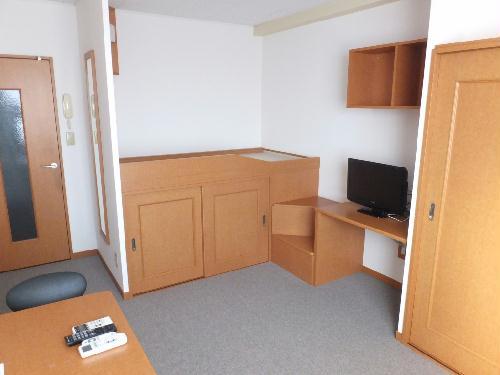レオパレス桐ヶ丘 206号室のリビング