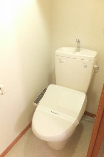 レオパレス桐ヶ丘 206号室のトイレ