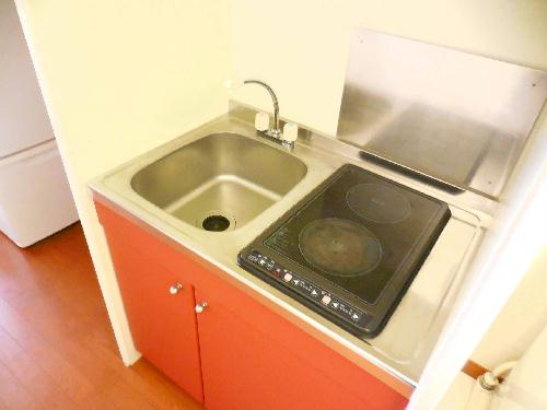 レオパレスkoyama 104号室のキッチン