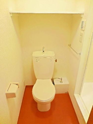 レオパレスkoyama 104号室のトイレ