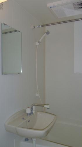レオパレス春 203号室の風呂
