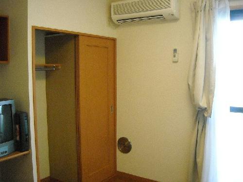 レオパレス瑞穂東 102号室のリビング