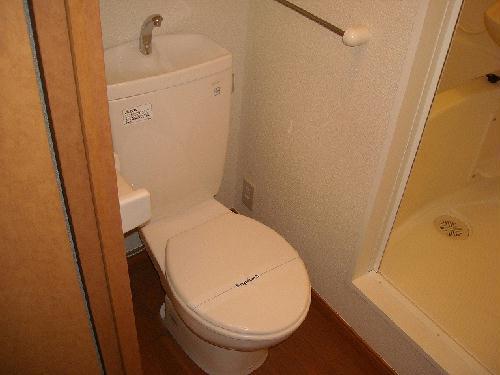 レオパレス瑞穂東 102号室のトイレ
