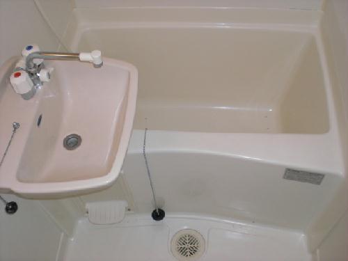 レオパレスCute A 101号室の風呂
