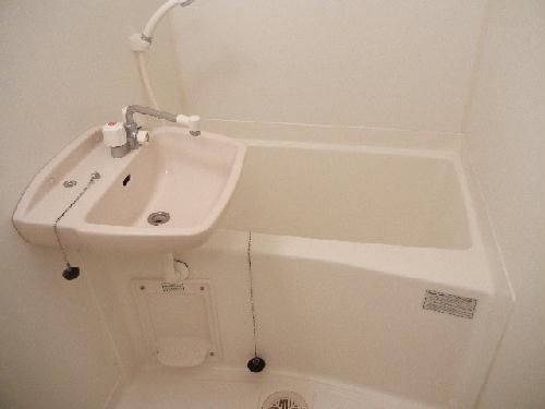 レオパレスアルテミス 202号室の風呂