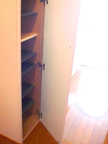 レオパレスマンダリーヌ 103号室の玄関