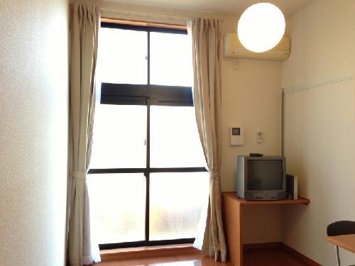 レオパレス花咲の丘Ⅰ 113号室のリビング