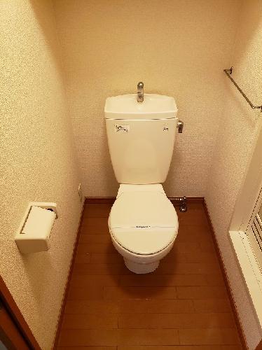 レオパレスライズ 106号室のトイレ