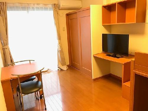 レオパレスNAGAKURA 201号室のリビング
