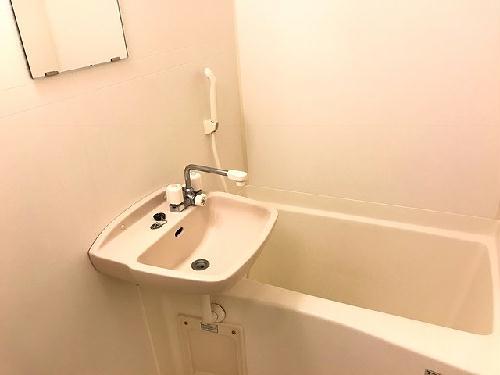 レオパレスNAGAKURA 206号室の風呂