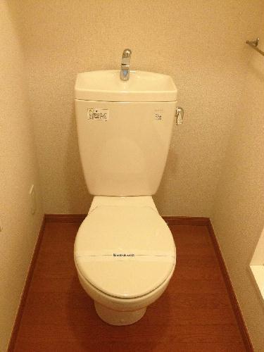 レオパレスコンフォートS 103号室のトイレ
