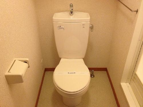 レオパレス千年の時 206号室のトイレ