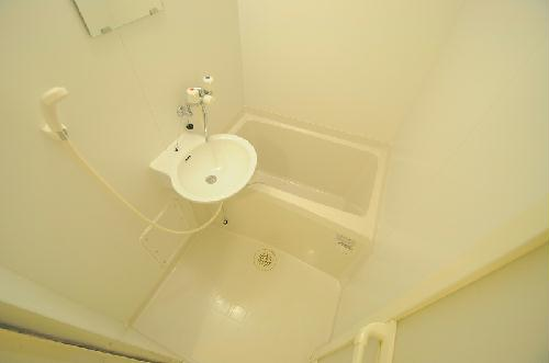 レオパレス一の宮 203号室の風呂