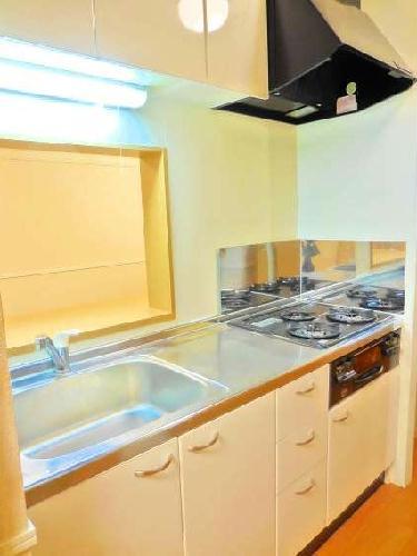レオパレスカメリア 108号室のキッチン