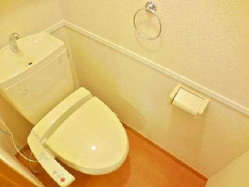 レオパレスカメリア 108号室のトイレ