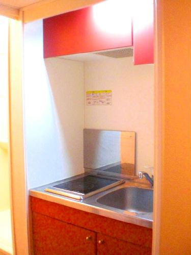 レオパレスグレープヒルB 101号室のキッチン