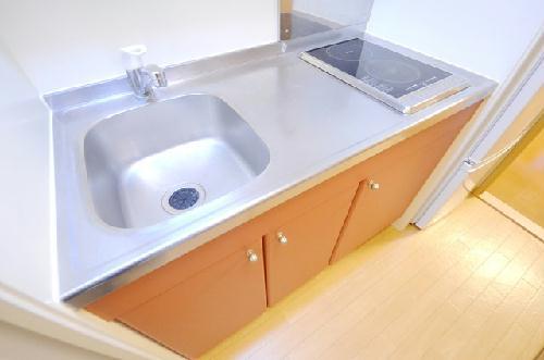 レオパレスアーバン 104号室のキッチン