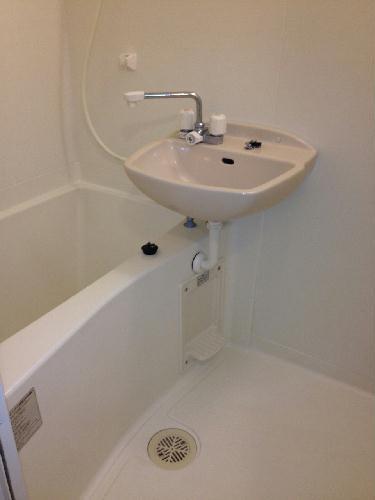 レオパレスくおれ 207号室の風呂
