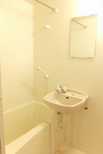 レオパレスラフィーネA 205号室の風呂