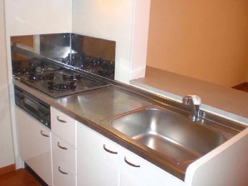 レオパレスブルームYK 103号室のキッチン