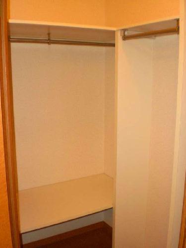 レオパレスブルームYK 103号室の収納