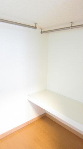 レオパレスガイア初雁 206号室の収納