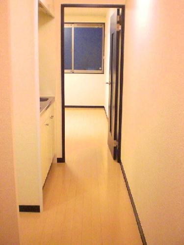 レオネクストリードアンドナナ 104号室のリビング