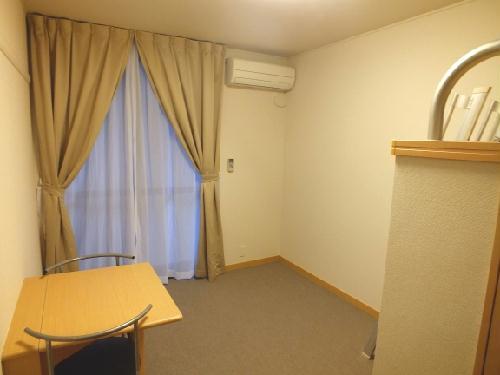 レオパレスカプリコーン21 408号室のリビング