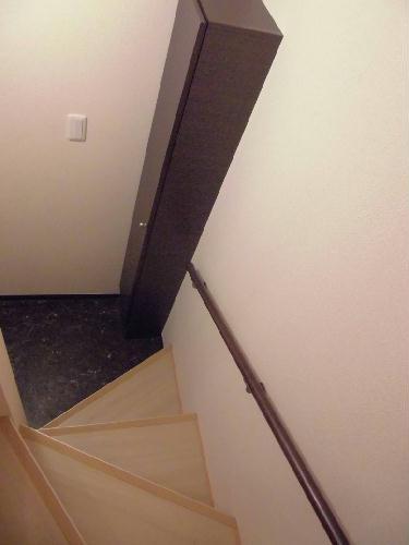 レオネクストFree One 202号室の玄関