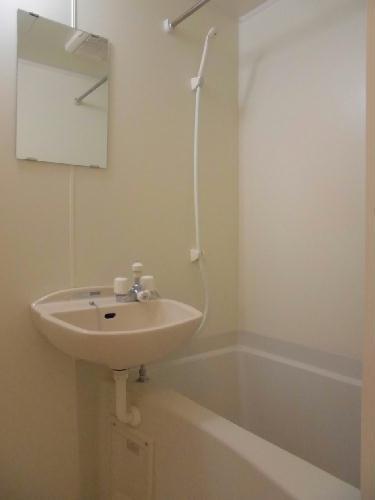 レオパレスモア天王 104号室の風呂