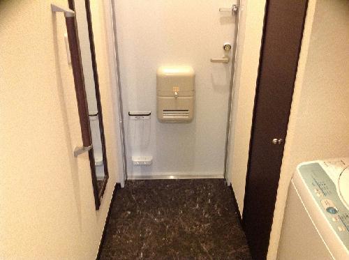 ミランダイーゼル 103号室の玄関