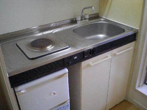 レオパレスFUJI 102号室のキッチン