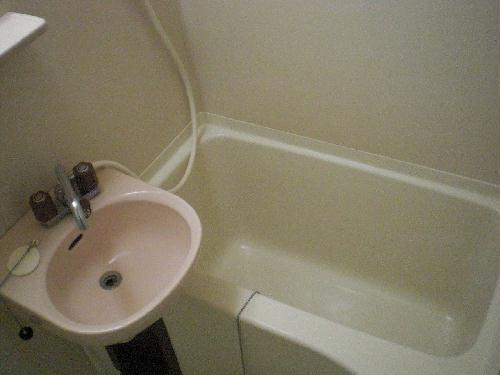 レオパレスFUJI 102号室の風呂