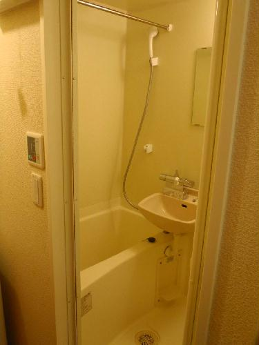 レオパレスポプラ 201号室の風呂