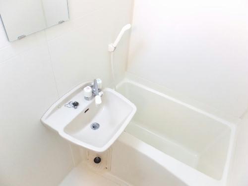 レオパレスai 204号室の風呂
