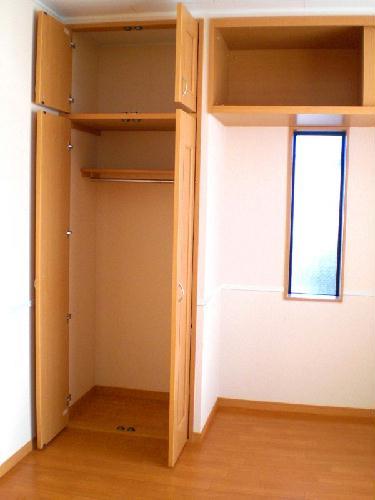 レオパレスラ グレージュ 206号室の収納