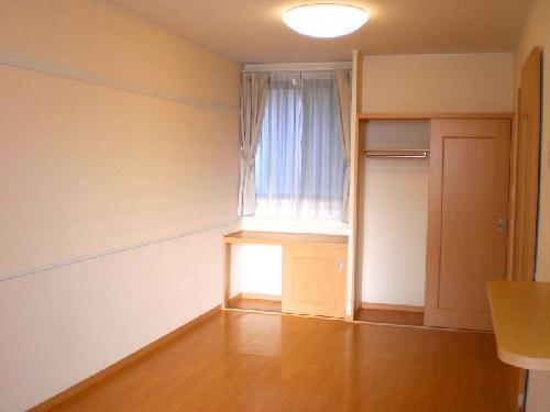 レオパレスラ グレージュ 206号室の居室