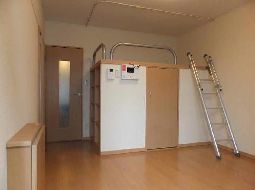 レオネクストグレープヒルC 103号室のリビング