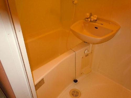 レオパレスSwing B 105号室の風呂