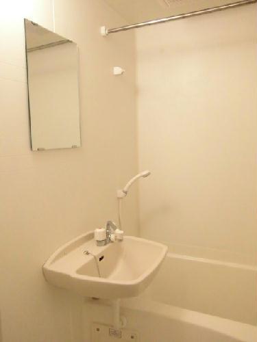 レオパレスふじ 103号室の風呂