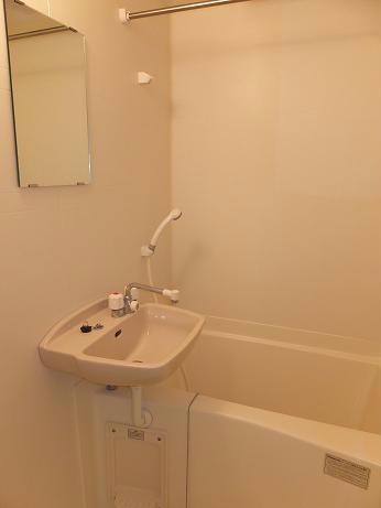 レオパレスゲンキ 203号室の風呂