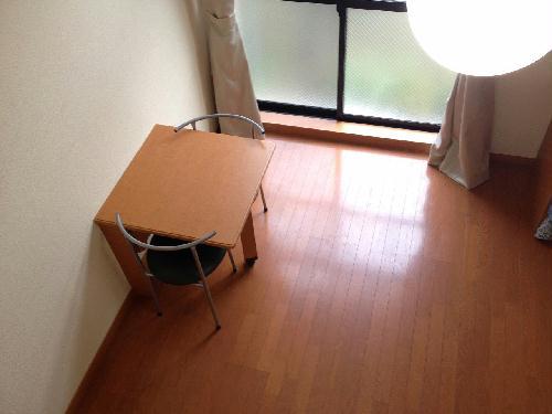 レオパレスコンプリートN 208号室のリビング