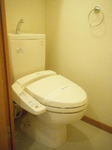 レオパレスベルウィング 206号室のトイレ