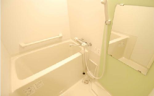 クレイノROUTE 16 102号室の風呂