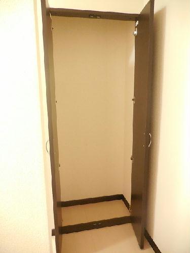 レオネクストヴィラージュ 103号室の収納